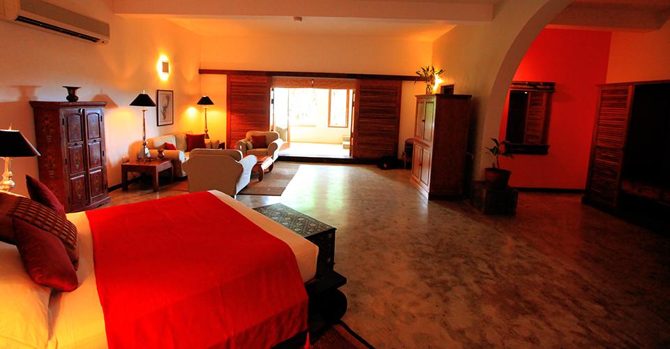 Sagara Suite Adithya Hotel in Sri Lanka