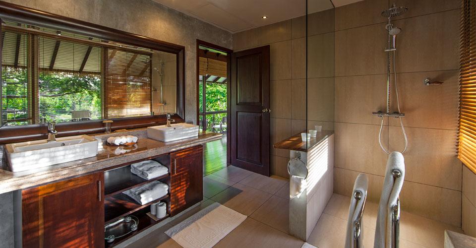 Bathroom View Ulagalla Hotel