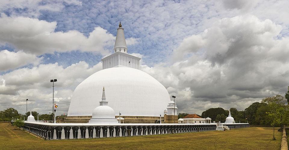 Ruwanweli Saya In Sri Lanka