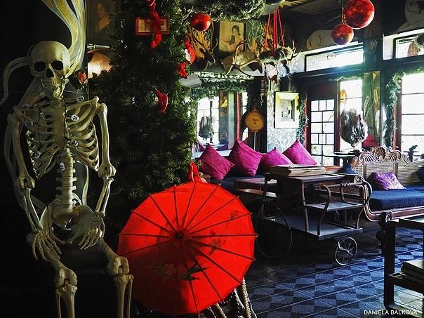 Main Room Helgas Folly in Kandy